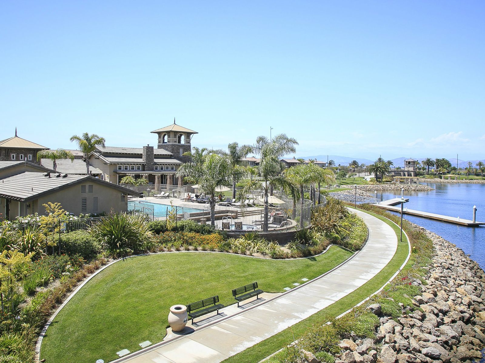 Southern California Waterside Living