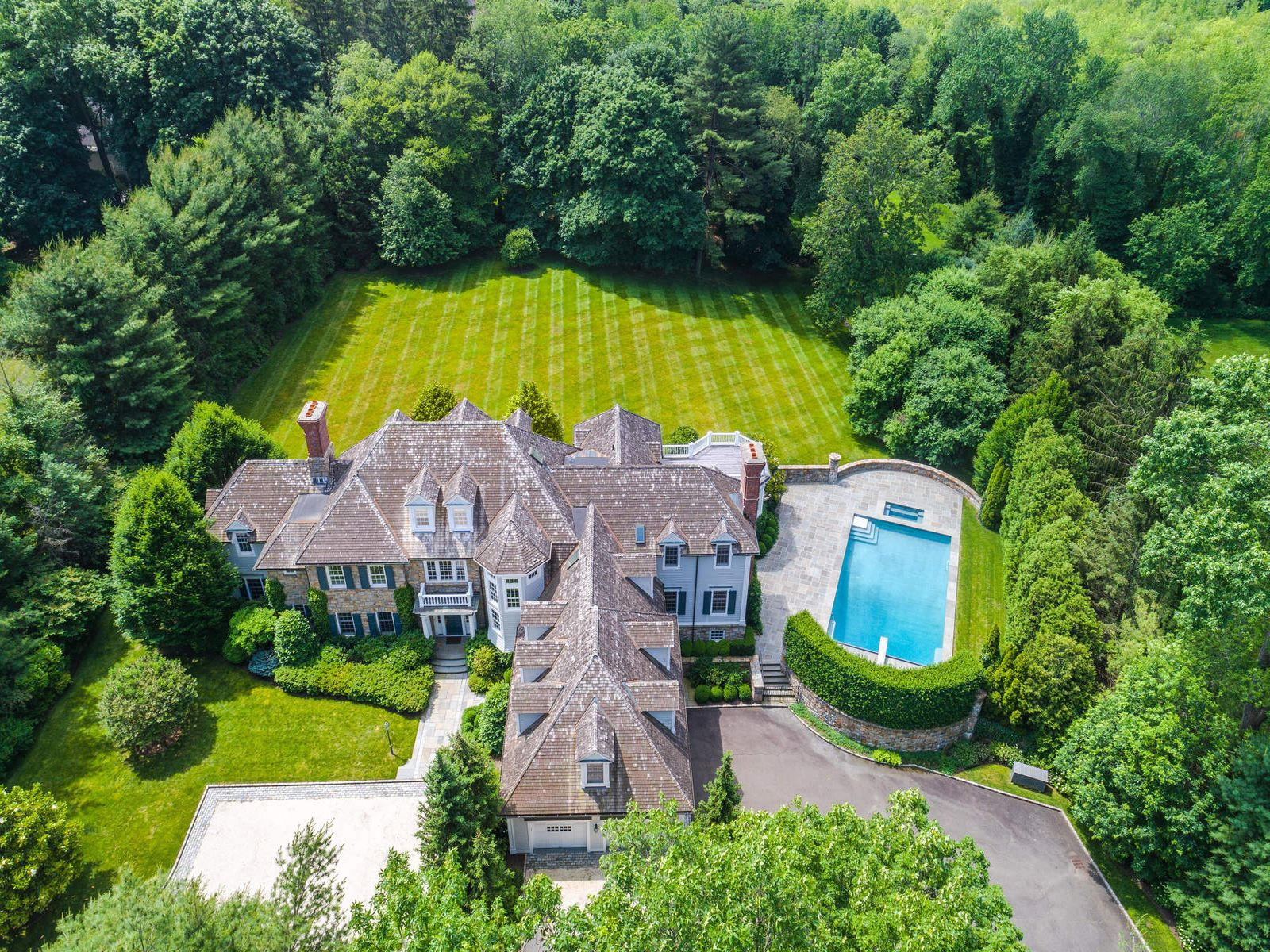 Privacy in Mid-Country, Greenwich CT Single Family Home - Greenwich Real Estate