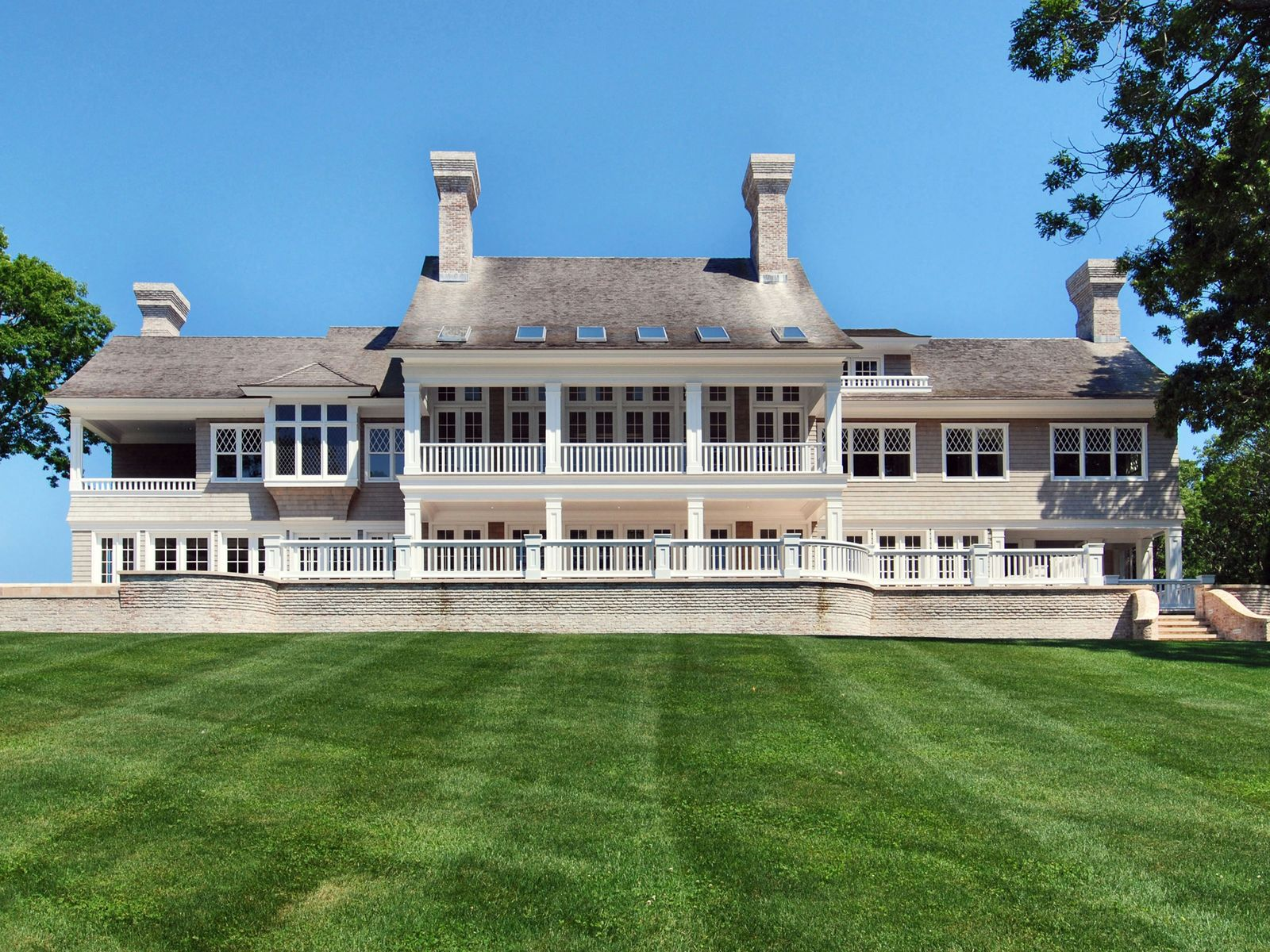 The Pond House, Grand Georgica Estate, East Hampton NY Single Family Home - Hamptons Real Estate