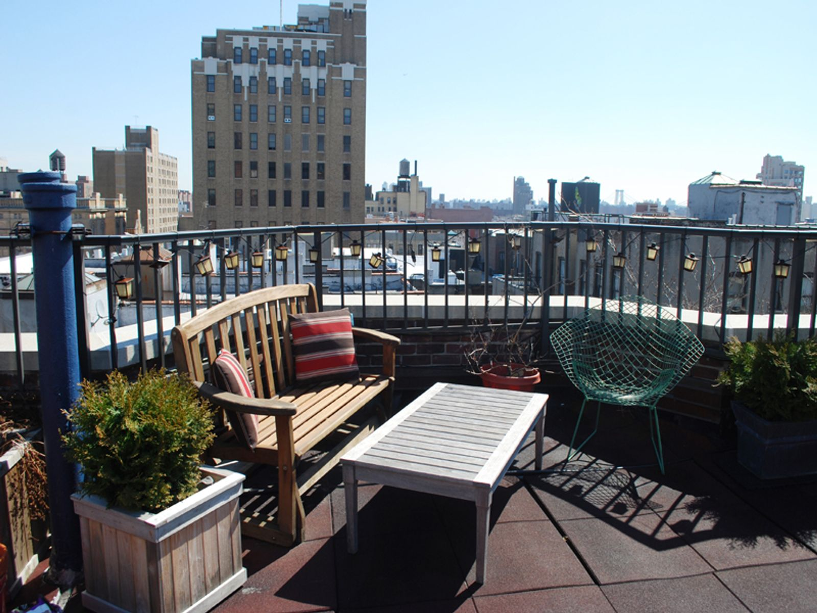 Top Floor Oasis w/ Private Roof Deck