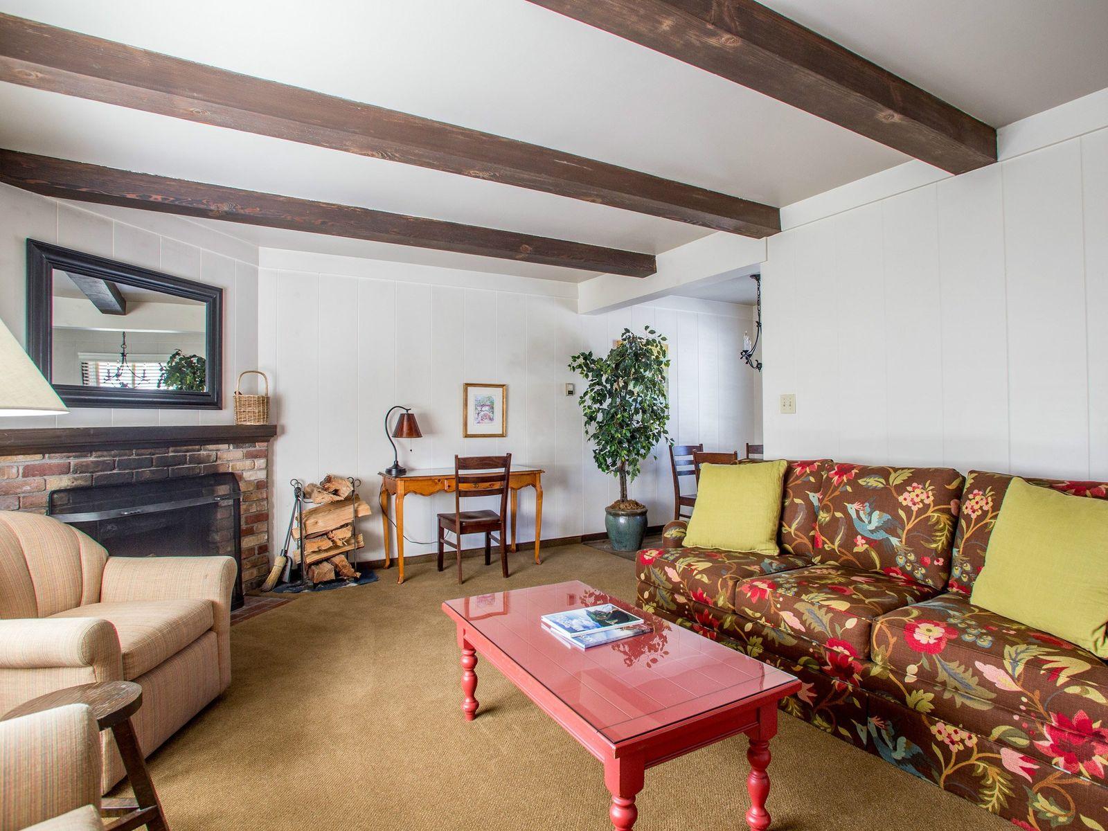 Quintessential Carmel Lodge