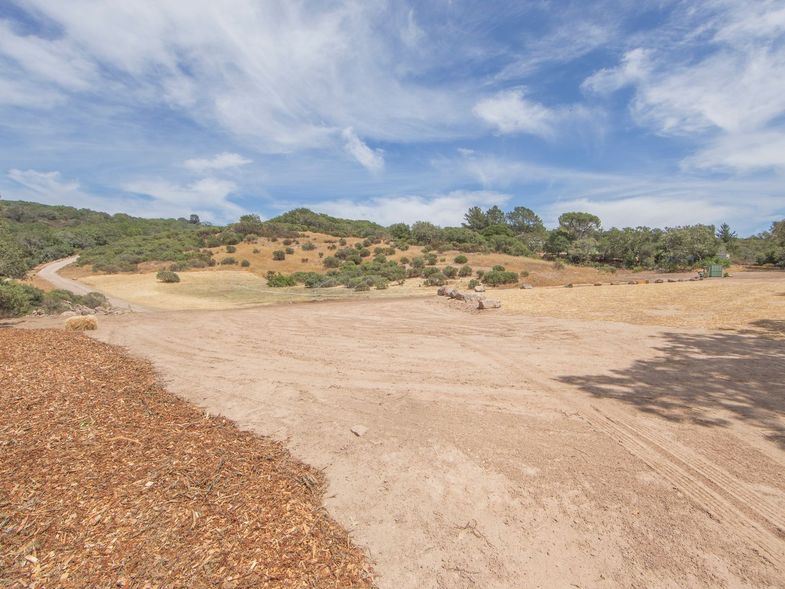 On-site driveway up to ridge with panoramic views.