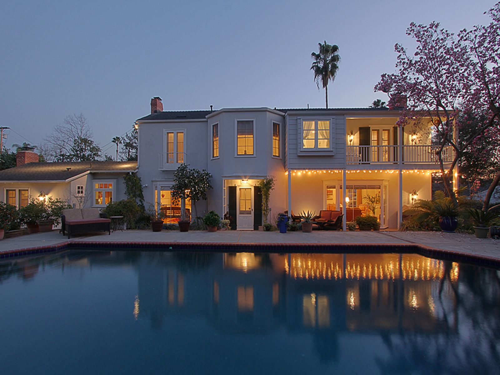 Captivating Colonial