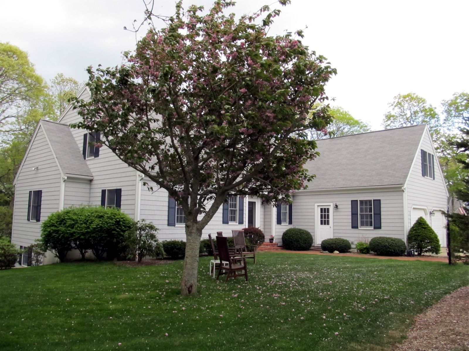 Luxury Living in Waterfront Neighborhood, Falmouth MA Single Family Home - Cape Cod Real Estate