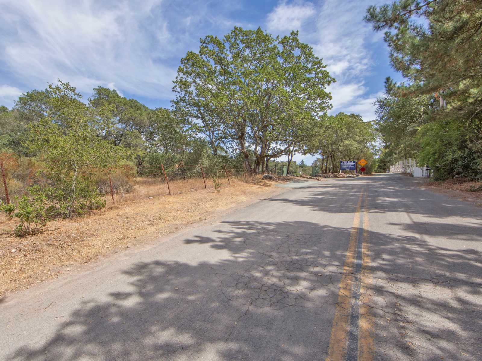 Located Sonoma East side close to Historic Plaza.