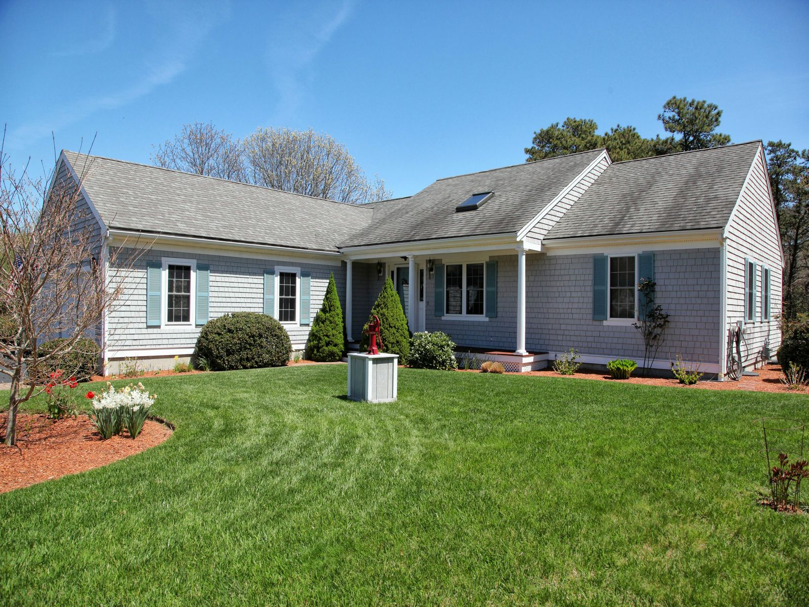Cape Cod Waterfront Home, East Falmouth MA Single Family Home - Cape Cod Real Estate