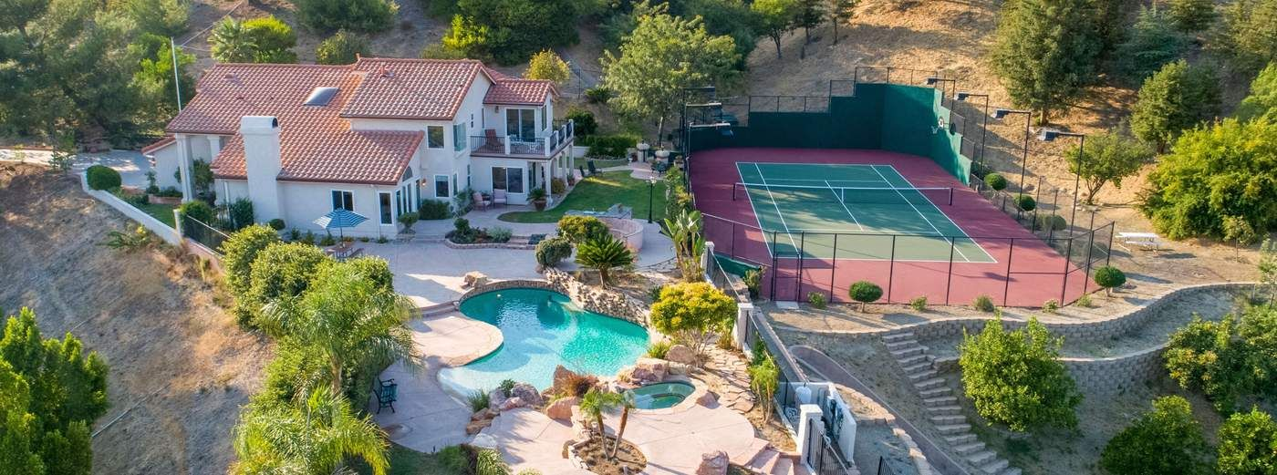 Tennis Estate on Spectacular View Lot