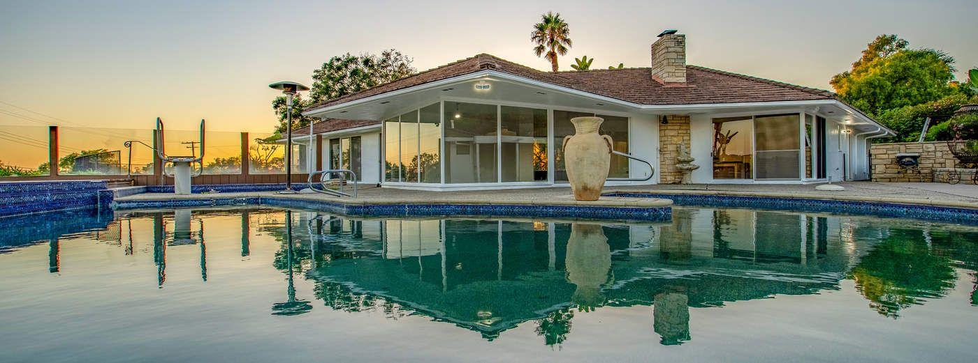 Santa Barbara Mid-Century Modern Oasis