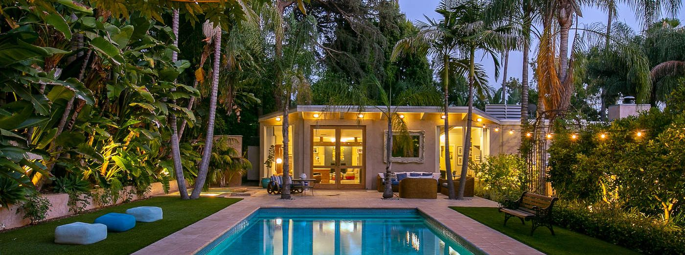 Mid-Century Marvel in a Magical Setting