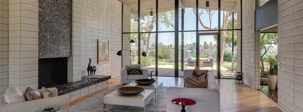 Iconic Mid-Century Modern with 360° view