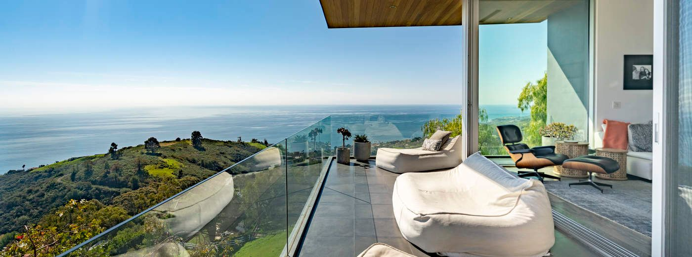 Architectural Panoramic Ocean Views