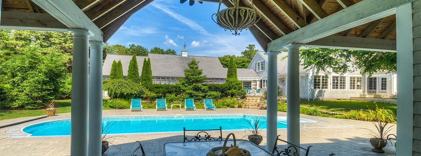 Classic Seapuit Estate
